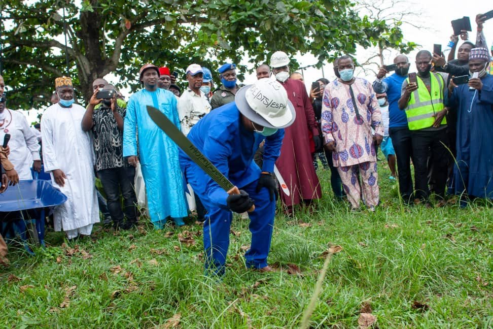 Keyamo cuts grass with sword