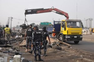 FG Begins Demolition Of Shanties, Businesses Encroaching On Projects