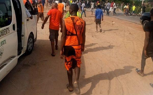 IDPs Block Benue-Nassarawa Highway Protest Over Herdsmen killings